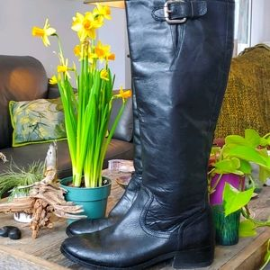 Tall black leather riding boots, size 6